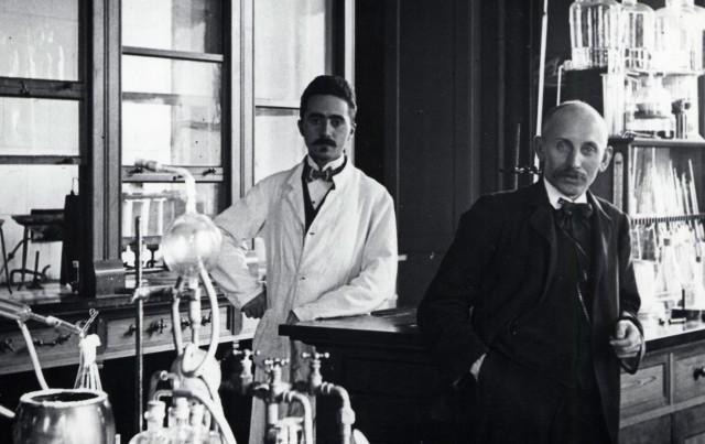 ג'ייקובסן במעבדה
